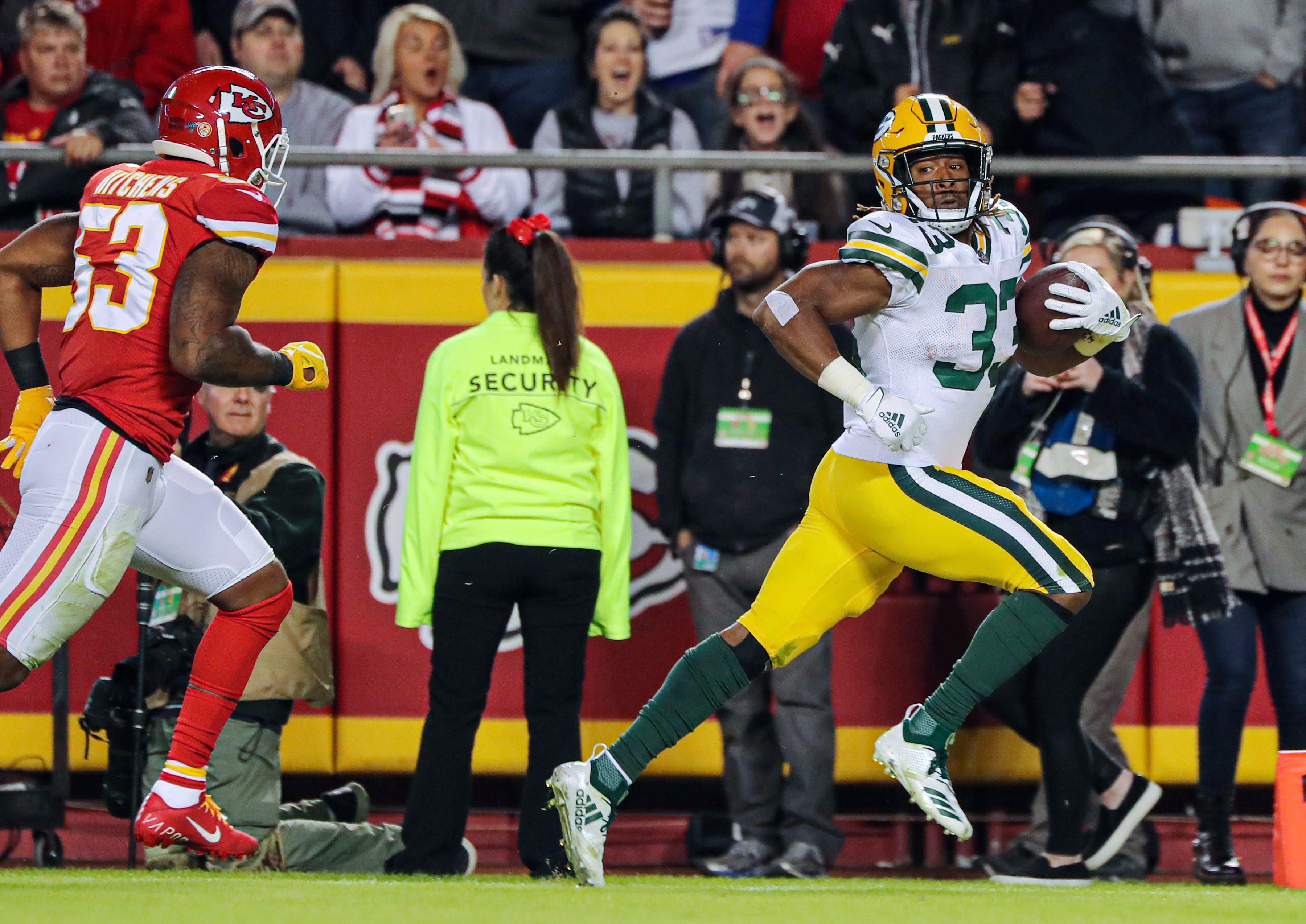Aaron Rodgers Connection With Aaron Jones Powers Packers Past Chiefs For Win Aaron Rodgers Packers Jones