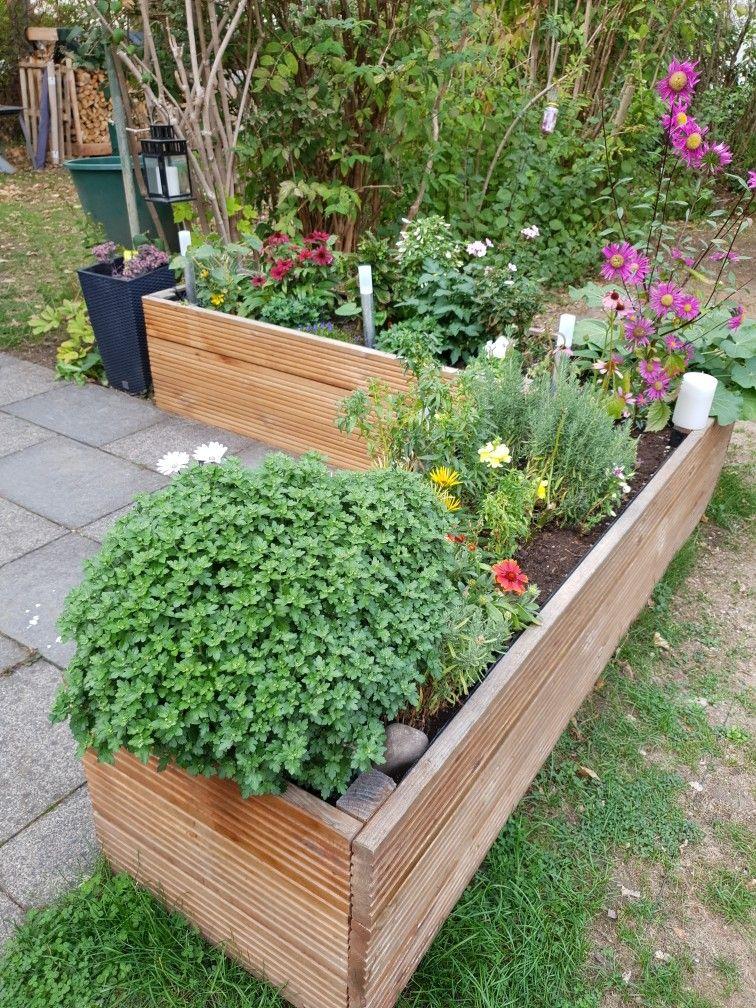 Blumenkasten Aus Terrassendielen Garten Hochbeet Garten Blumenkasten