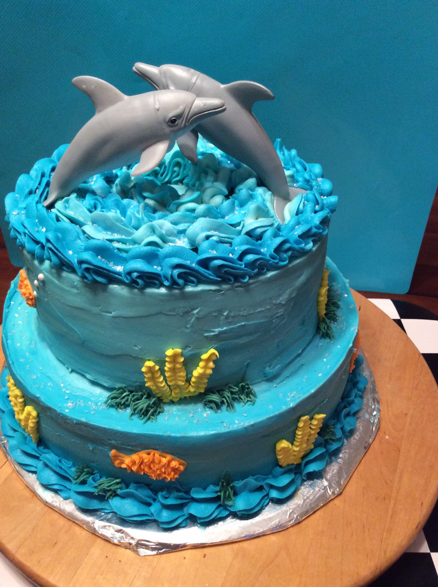 Arctic Surfers Cakes Party Ideas Pinterest Dolphin Cakes