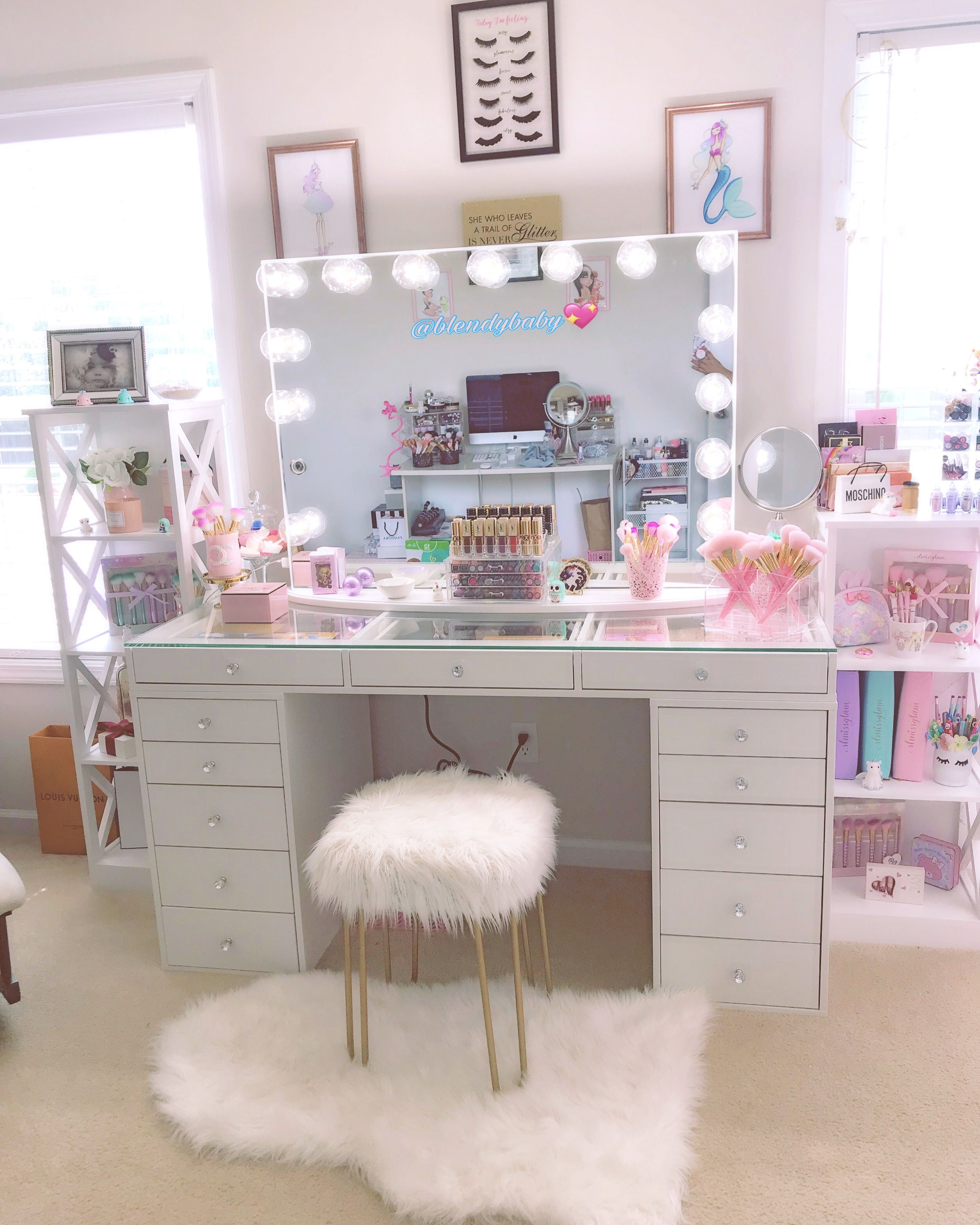 My Vanity Maquillaje Makeupvanity Makeuproom Vanity Makeup Diy Vanity Table Vanity Makeup Rooms Vanity Room