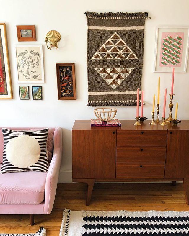 Rugs As Wall Decor. #livingroomdecor #sundaymondaytextiles