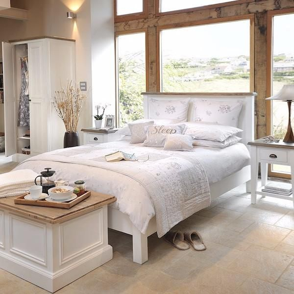 Lifestyle Savannah White Reclaimed Wood Bed Reclaimed Wood Beds