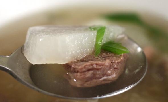 Korean beef and radish soup (쇠고기무국)   Maangchi