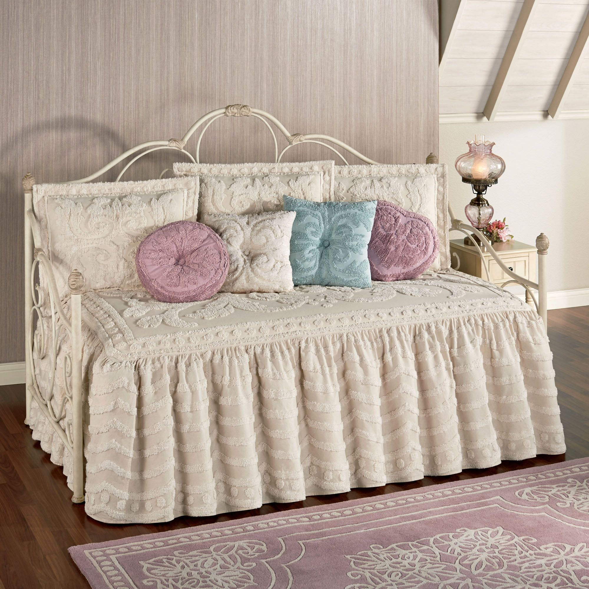 Intrigue Chenille Ruffled Flounce Daybed Bedding Set in