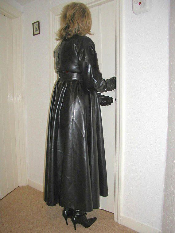 D4c1c28c6ee309e6e731e43055cb38f0 Jpg 570 760 Long Leather Coat