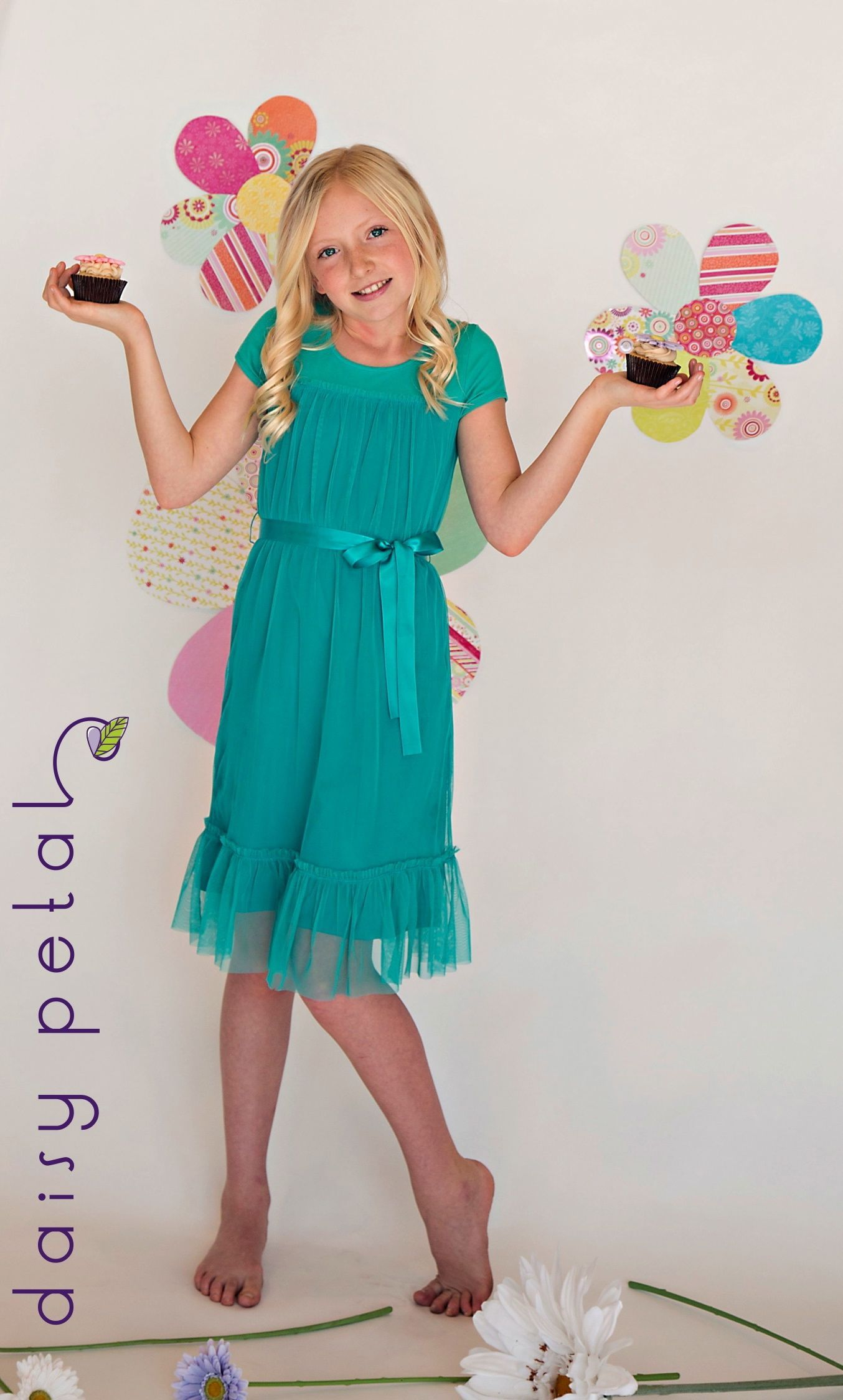 Love the flowers on the walls. For tweens teal tulle dress from ...
