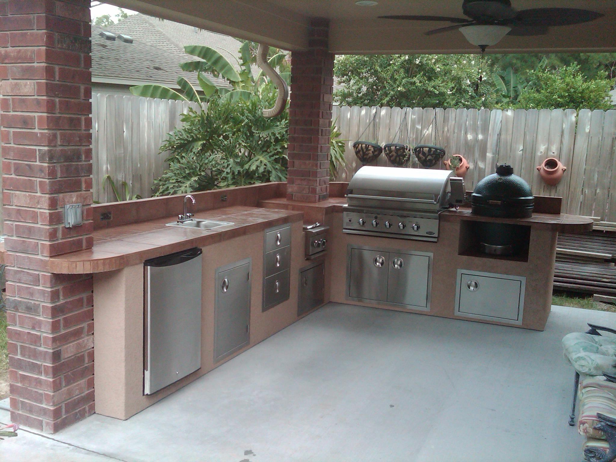 outdoor kitchen under patio - Google Search   BBQ   Pinterest ...