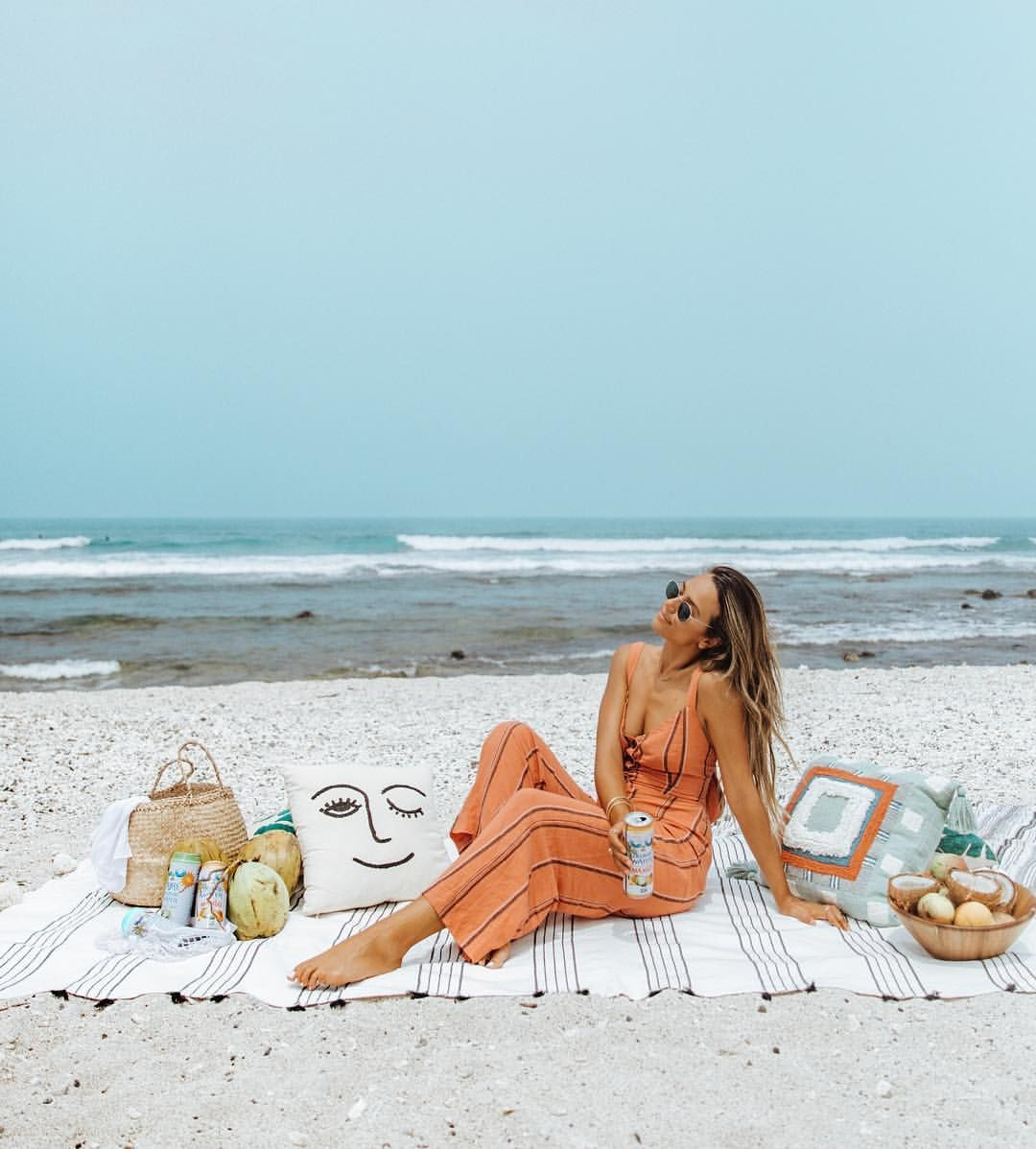 Beach Lounging In Hawaii Summer Vibes And Chic Beach Style Lake Photography Travel Photography Inspiration Instagram