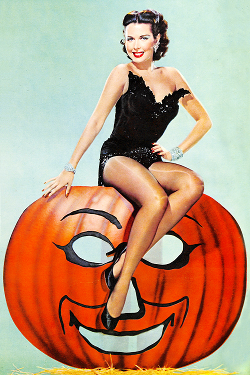 Halloween pin up girl vintage pictures — photo 13