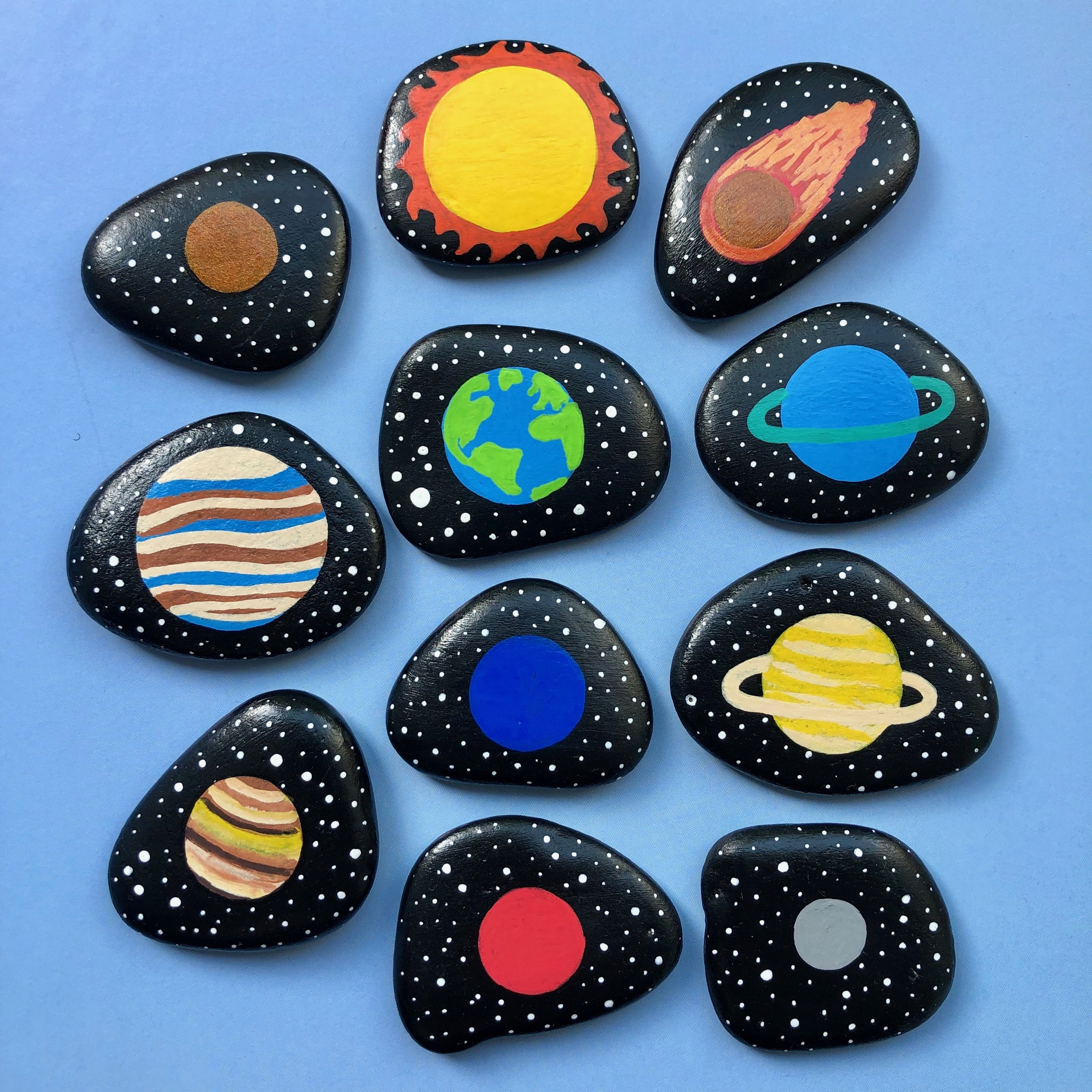Space Toys, Story Stones, Solar System educational Montessori handmade toy, Planets activity, Outer Space playset for kids, Preschooler early learning. Custom order - made by Magic Stones Art Shop. #steingartenideen