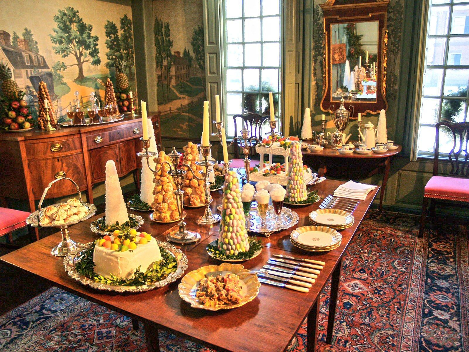 Step Inside Historic Homes Decorated For The Holidays Photos