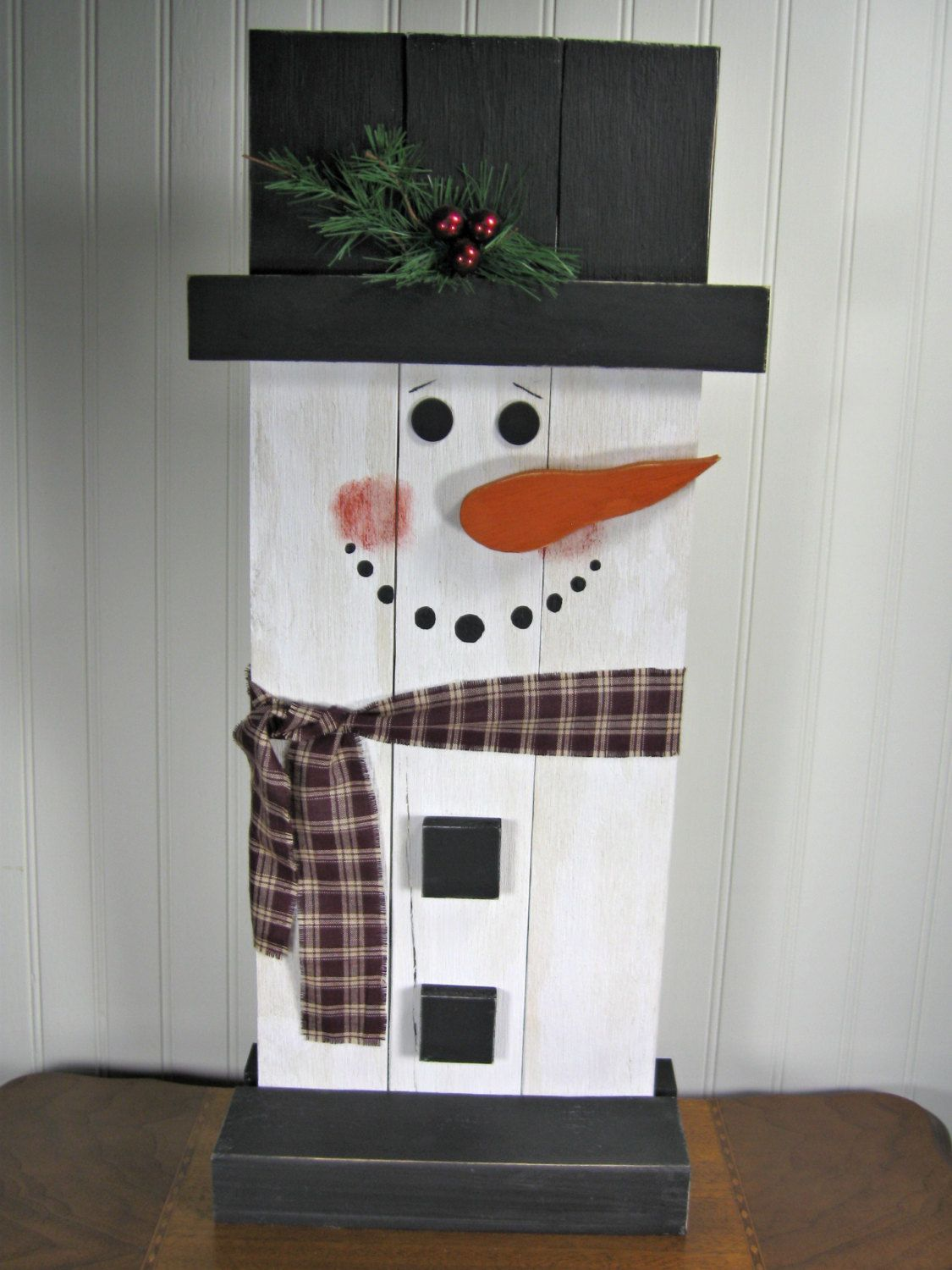 Standup wooden snowman christmas decoration by for How to make a wood pallet snowman