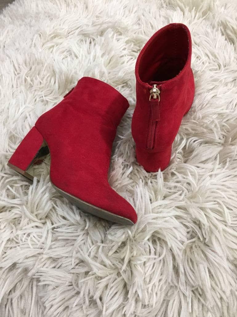 cdbbd909 Los botines rojo hot que debes tener ya. | botines rojos outfit en ...