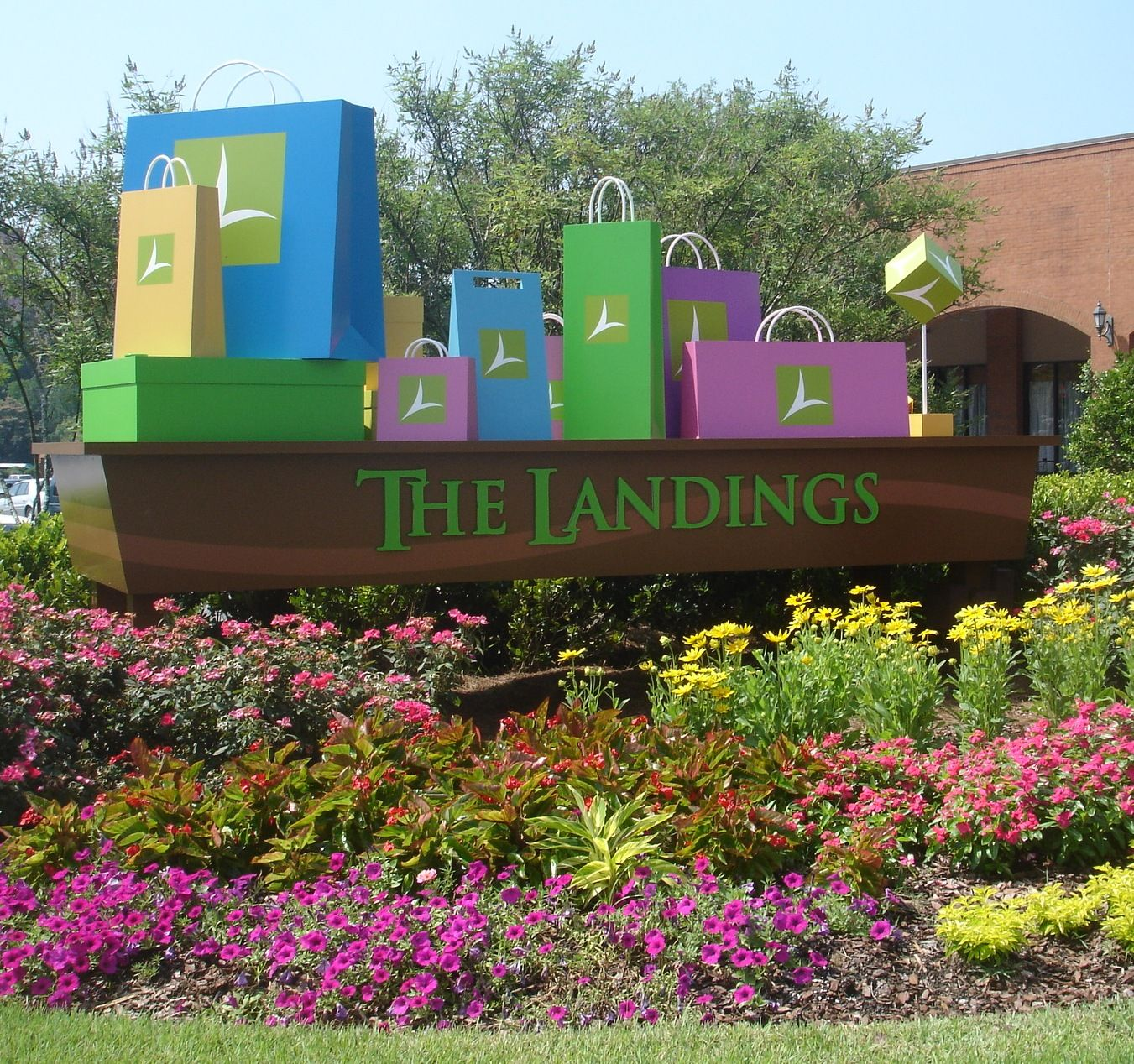 It S All About Fun At The Landings Even The Front Entrance To The Shopping Area Brings A Smile To Your Day Columbus Phenix City Fort Benning