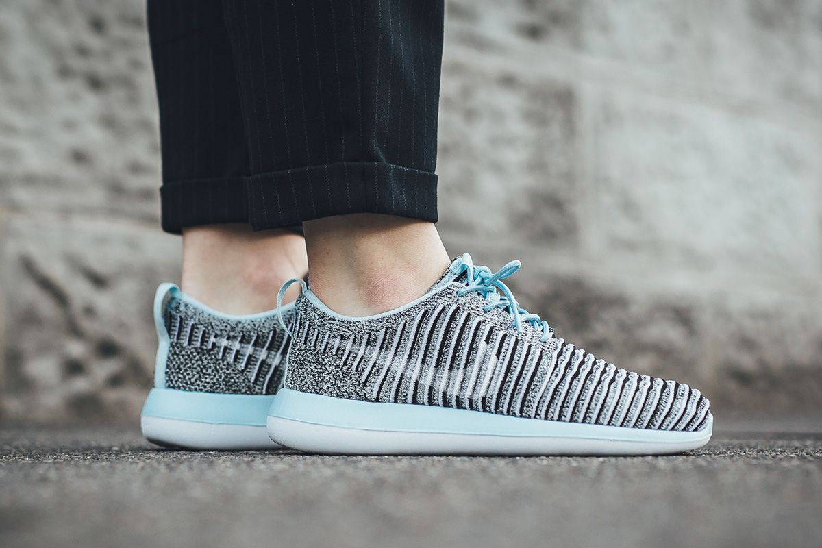 quality design 49b6f ee133 Nike WMNS Roshe Two Flyknit