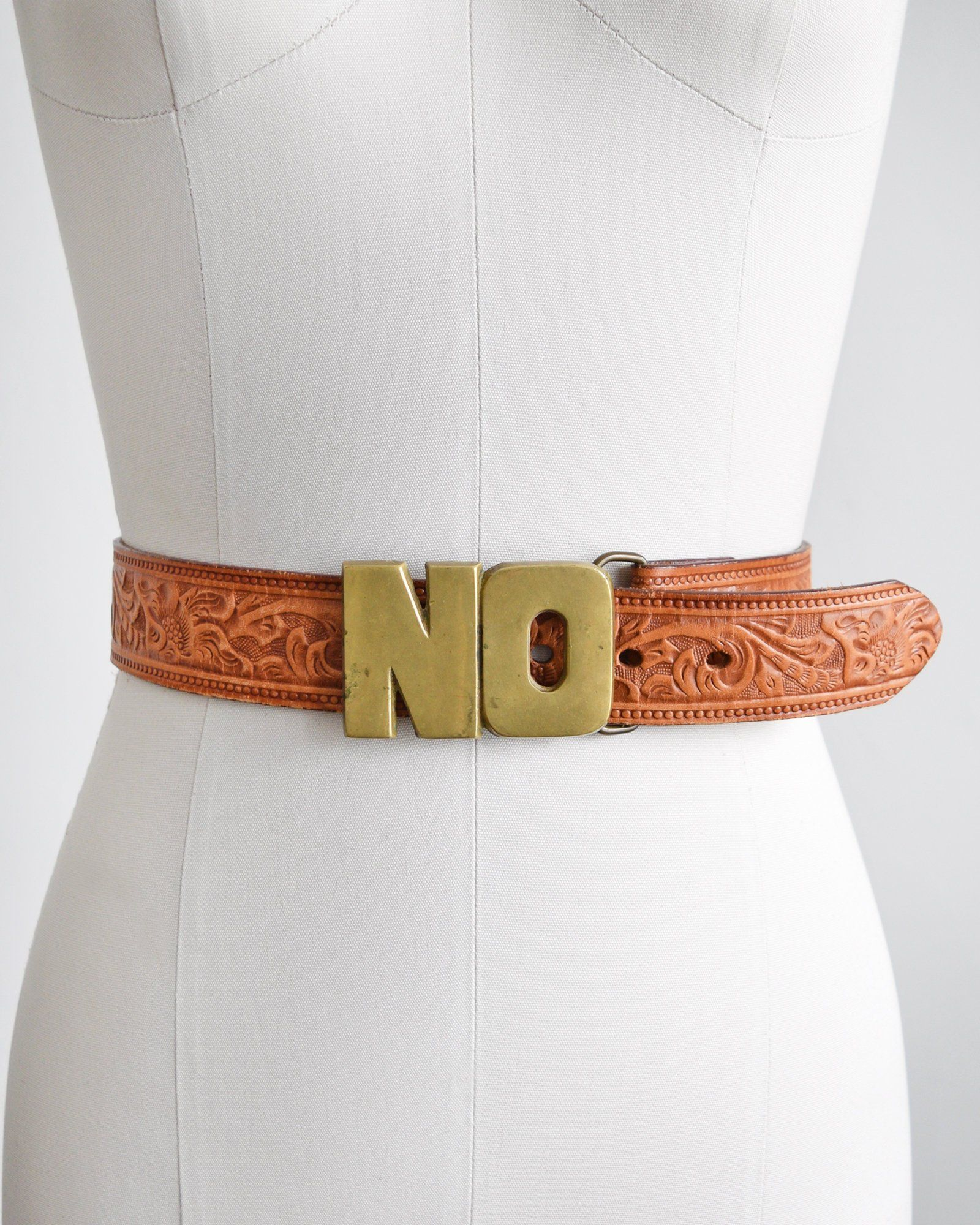 70s Tooled Leather Belt W No Brass Belt Buckle Vintage 1970s Etsy Brass Belt Buckles Leather Tooling Belt