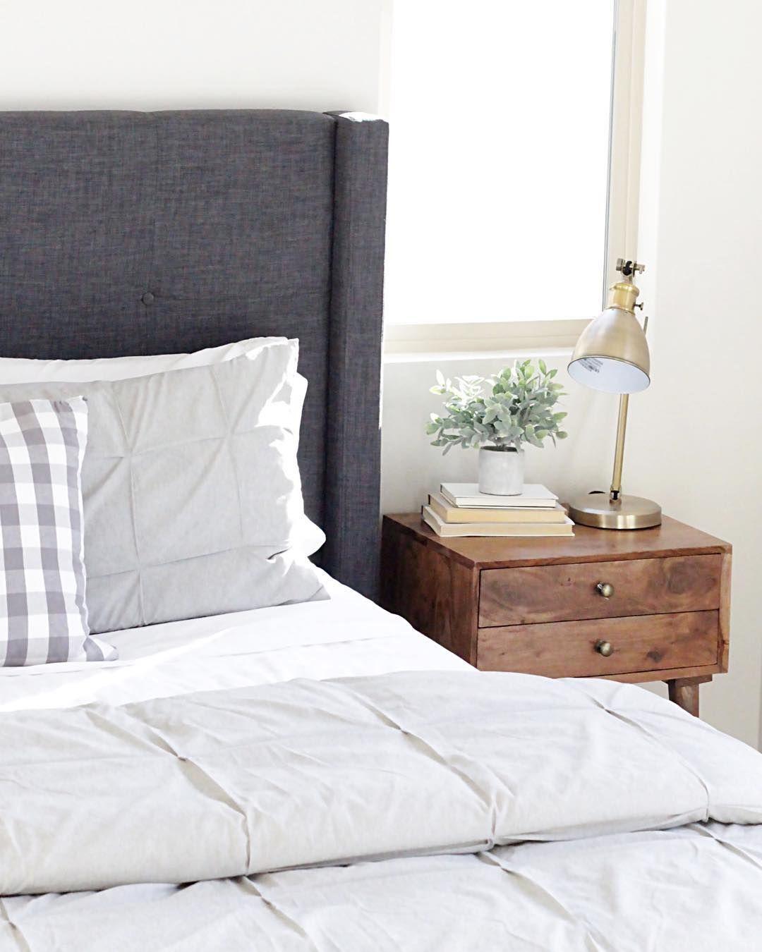 Damon Charcoal Queen Upholstered Platform Bed Upholstered