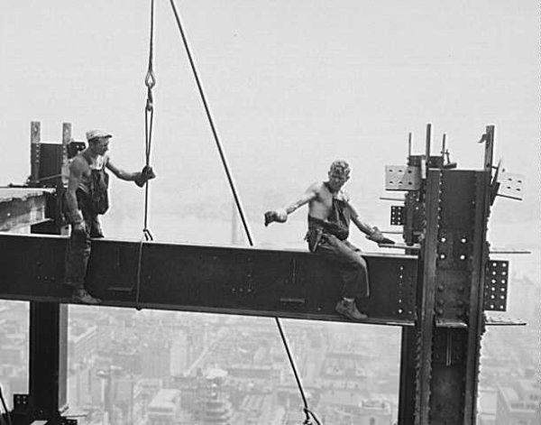Lewis Hine - photographs of the construction of the Empire
