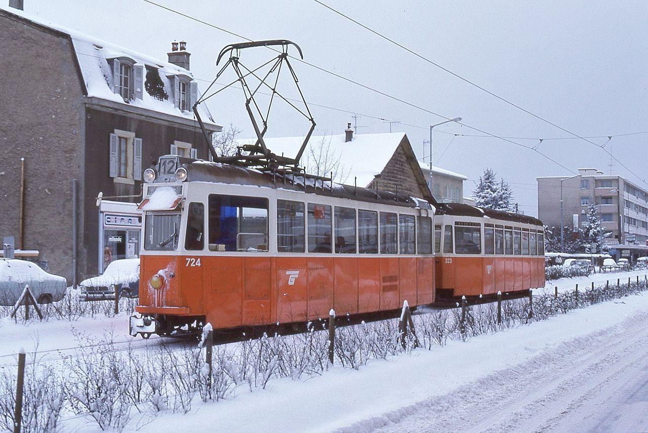 Genève tram 724+323 in snow - Trams in Geneva - Wikipedia, the free encyclopedia