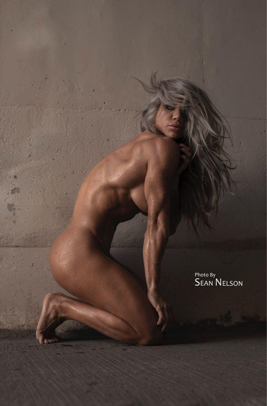 nude female figure competitor