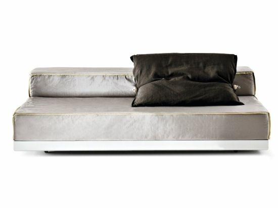 Die Schlafcouch ein praktisches und modernes Möbelstück