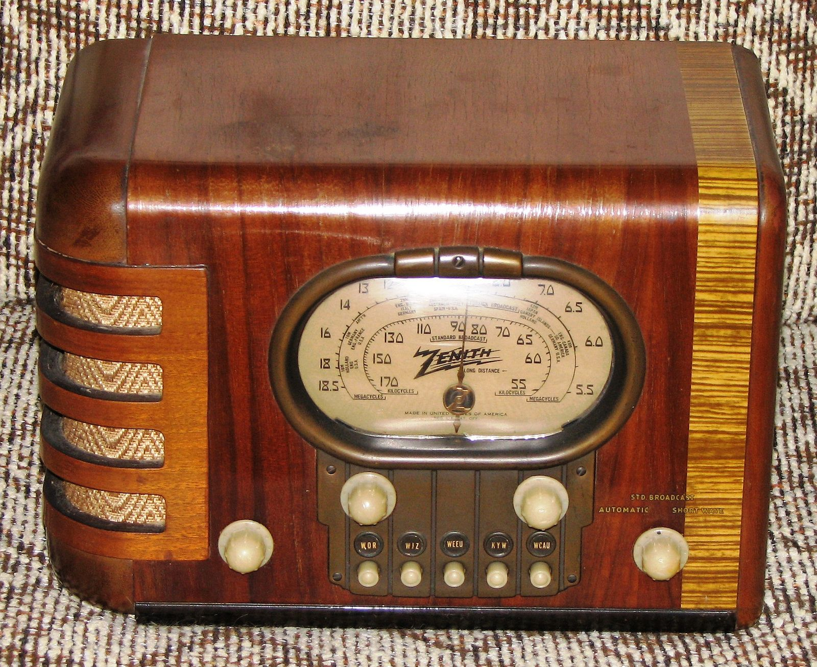 Vintage Zenith Art Deco Table Radio Vintage Radio Retro Radios Antique Radio