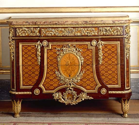 riesener commode 1782 louvre louis xvi pour le