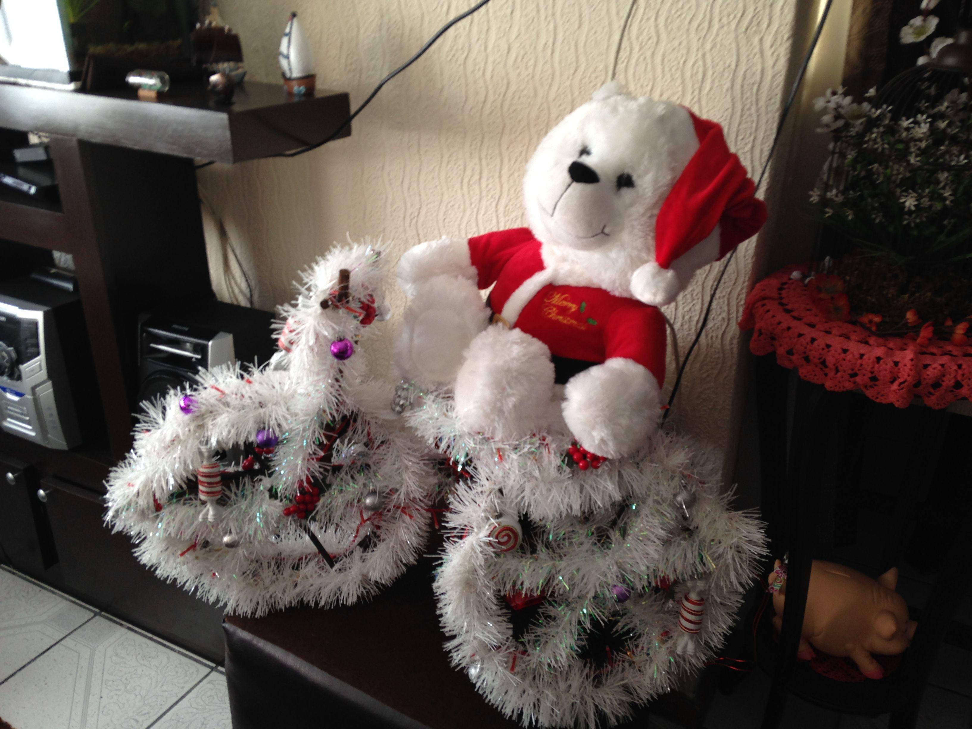 Triciclo hecho de ramas secas de rbol forrado de - Arbol de navidad hecho en casa ...