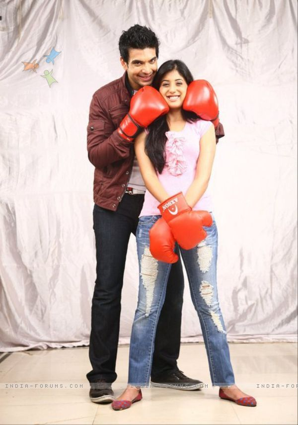 Karan Kundra And Kritika Kamra As Arjun And Arohi In Kitani Mohabbat