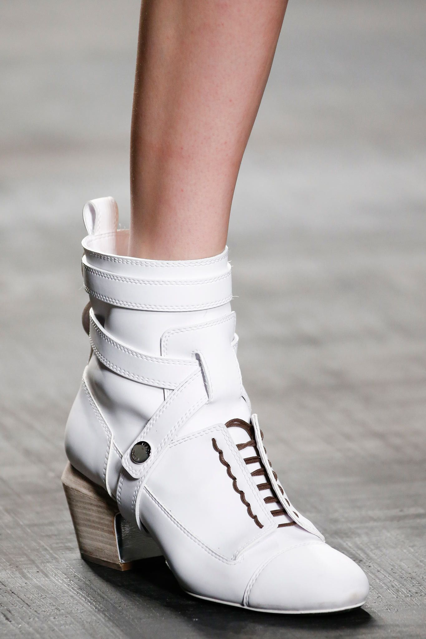 Shoes | Fendi gorgeous white leather ankle boots with laces