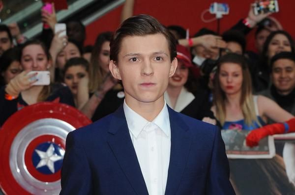 Wade Sheridan HOLLYWOOD, Dec. 9 (UPI) -- Tom Holland is out to prove he can be a hero in the first trailer for Marvel and Sony's upcoming…