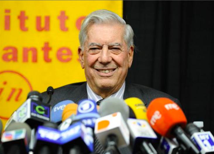 """@DolarToday: Mario Vargas Llosa pronostica la pronta salida de Maduro -► https://bit.ly/1fl6x3s pic.twitter.com/qKraXHxSIM"" @MariaCorinaYA"