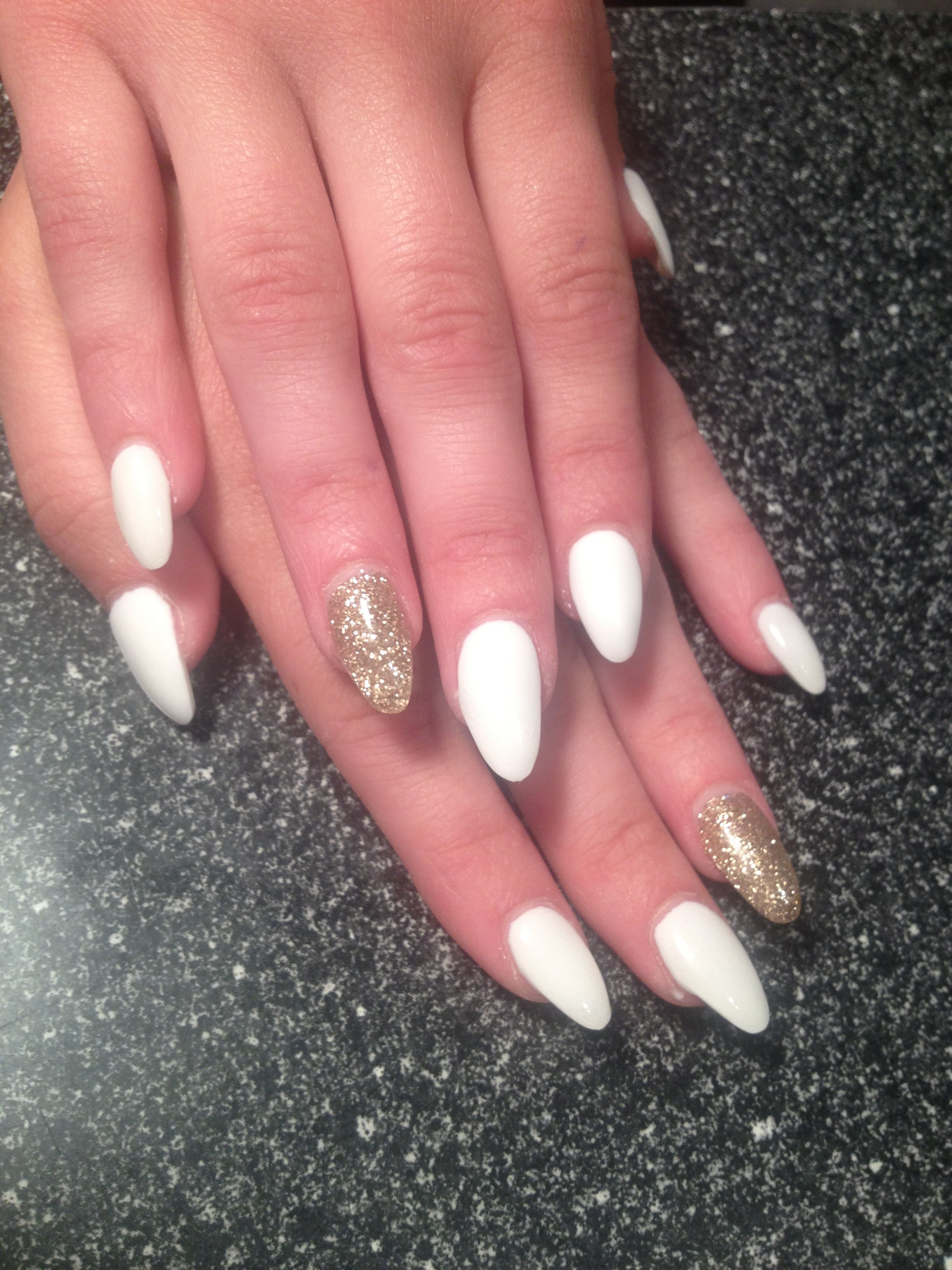 Pin By Imani Harris On Nails Acrylic Nails Almond Shape Gel Nails Glitter Gel Nails