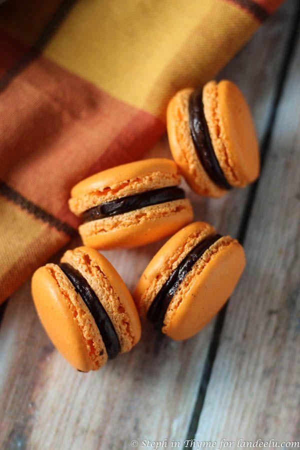 Halloween Macarons | landeelu.com