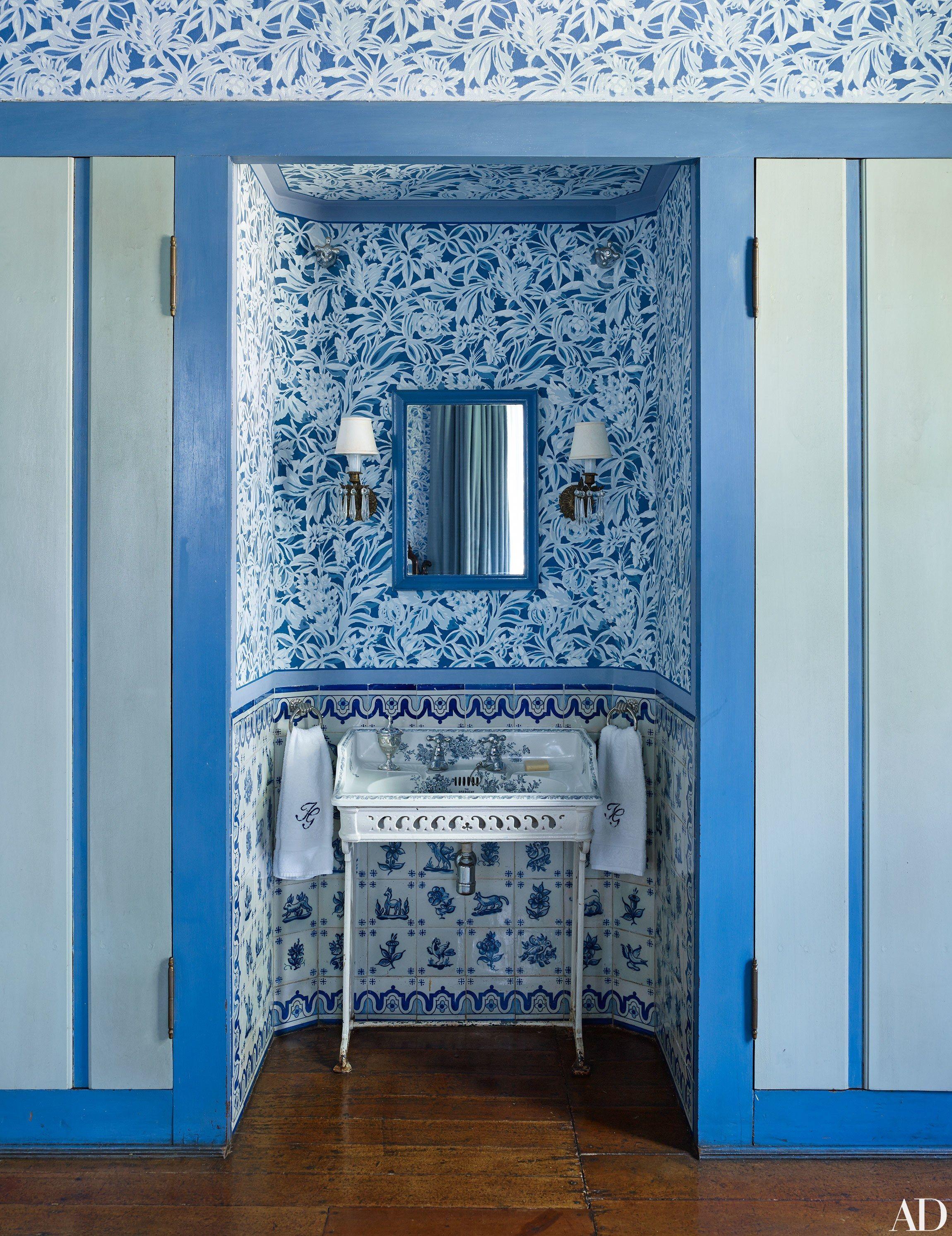 Step Inside a São Paulo Home Designed by Sig Bergamin | Sinks ...