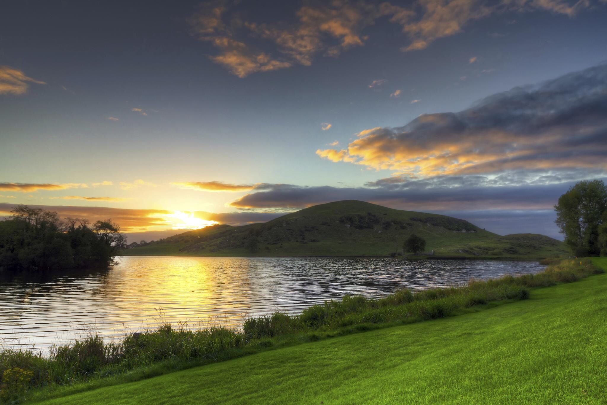 Self Catering Holiday Cottages In Ballinscaula, County