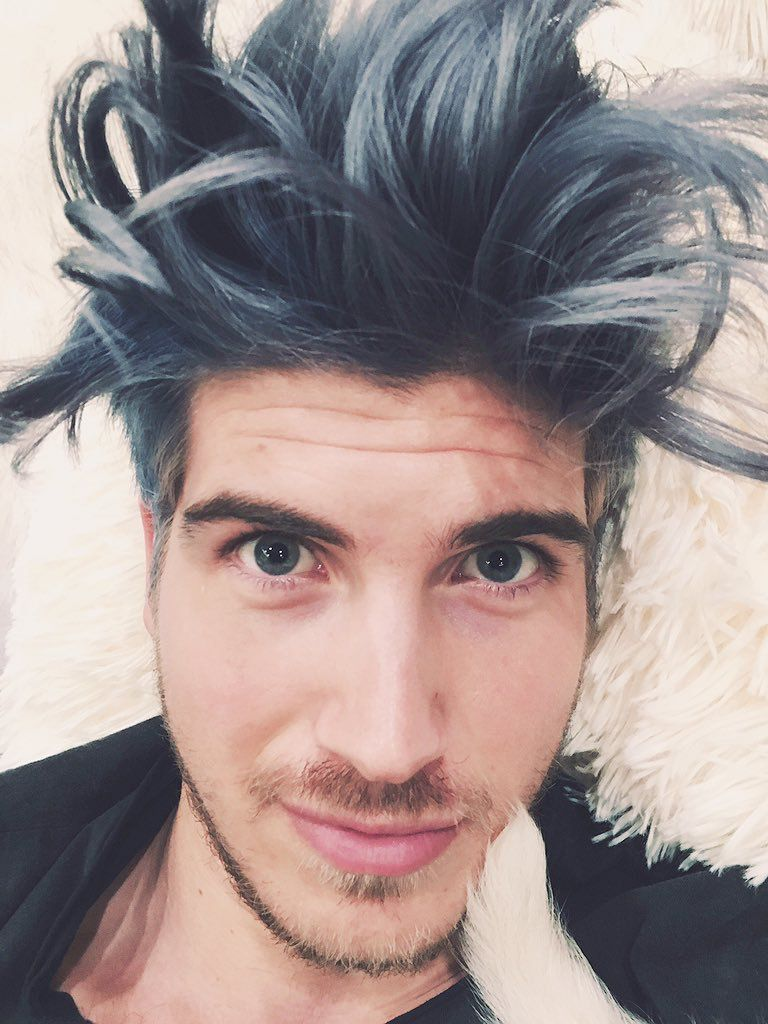 Joey Graceffa Mens Hairstyles Hair And Beard Styles Dying Your Hair