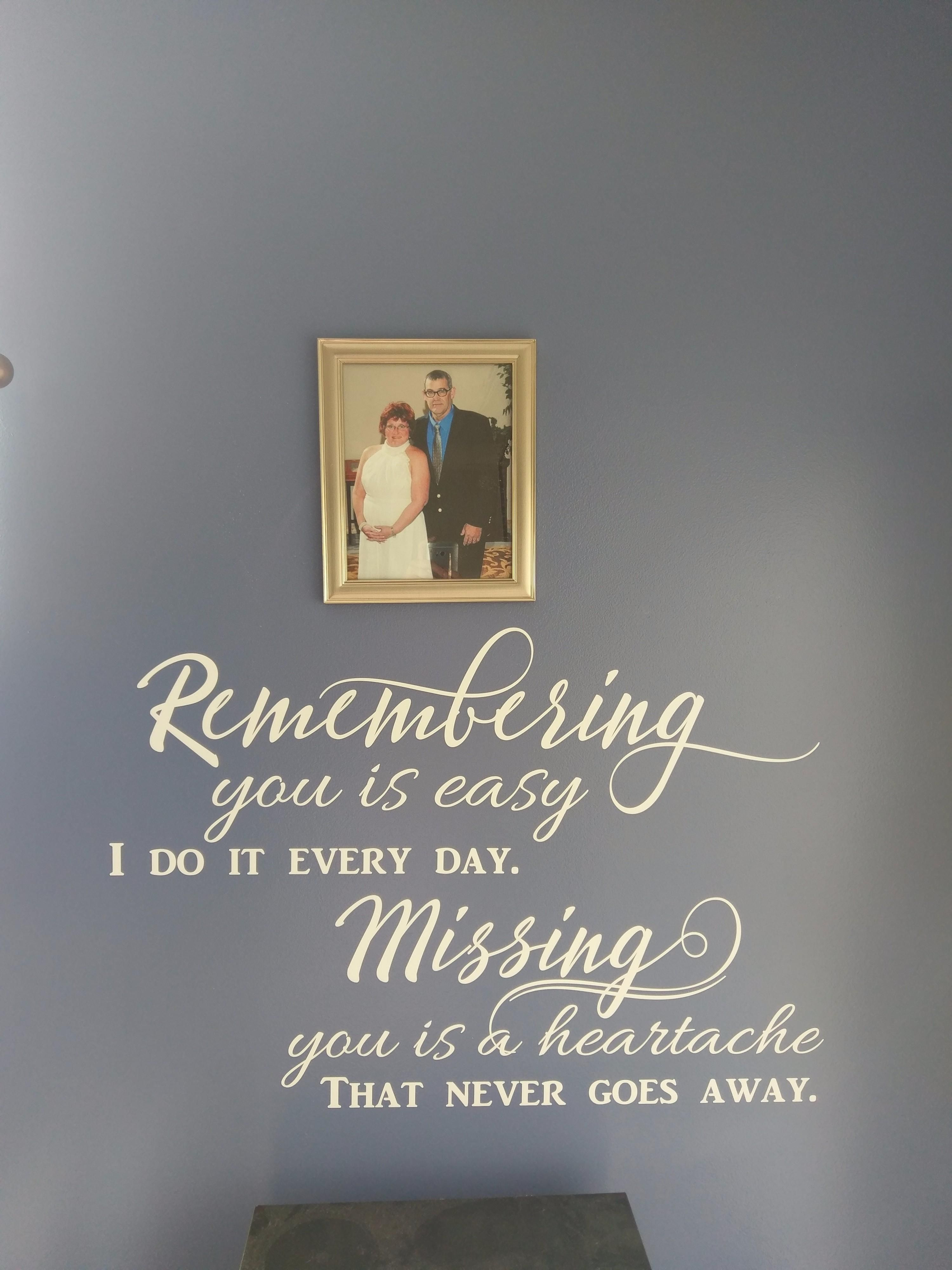 BEAUTIFUL MEMORIES SILENTLY KEPT Quote Wall Art Decal Words Lettering Decor