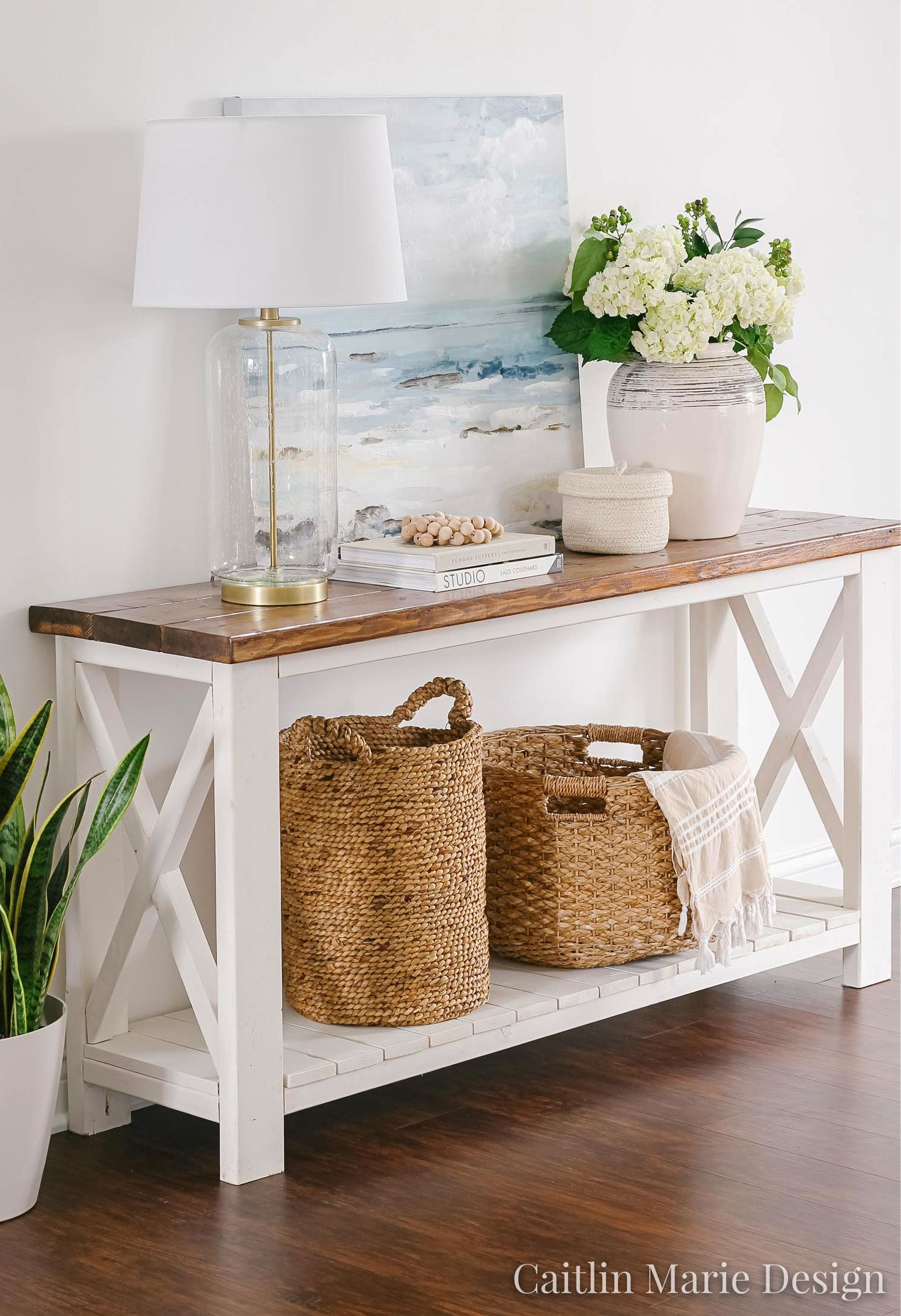 Wicker Baskets -Decorative Storage Solution for Coastal Style  Interiors #coastallivingrooms