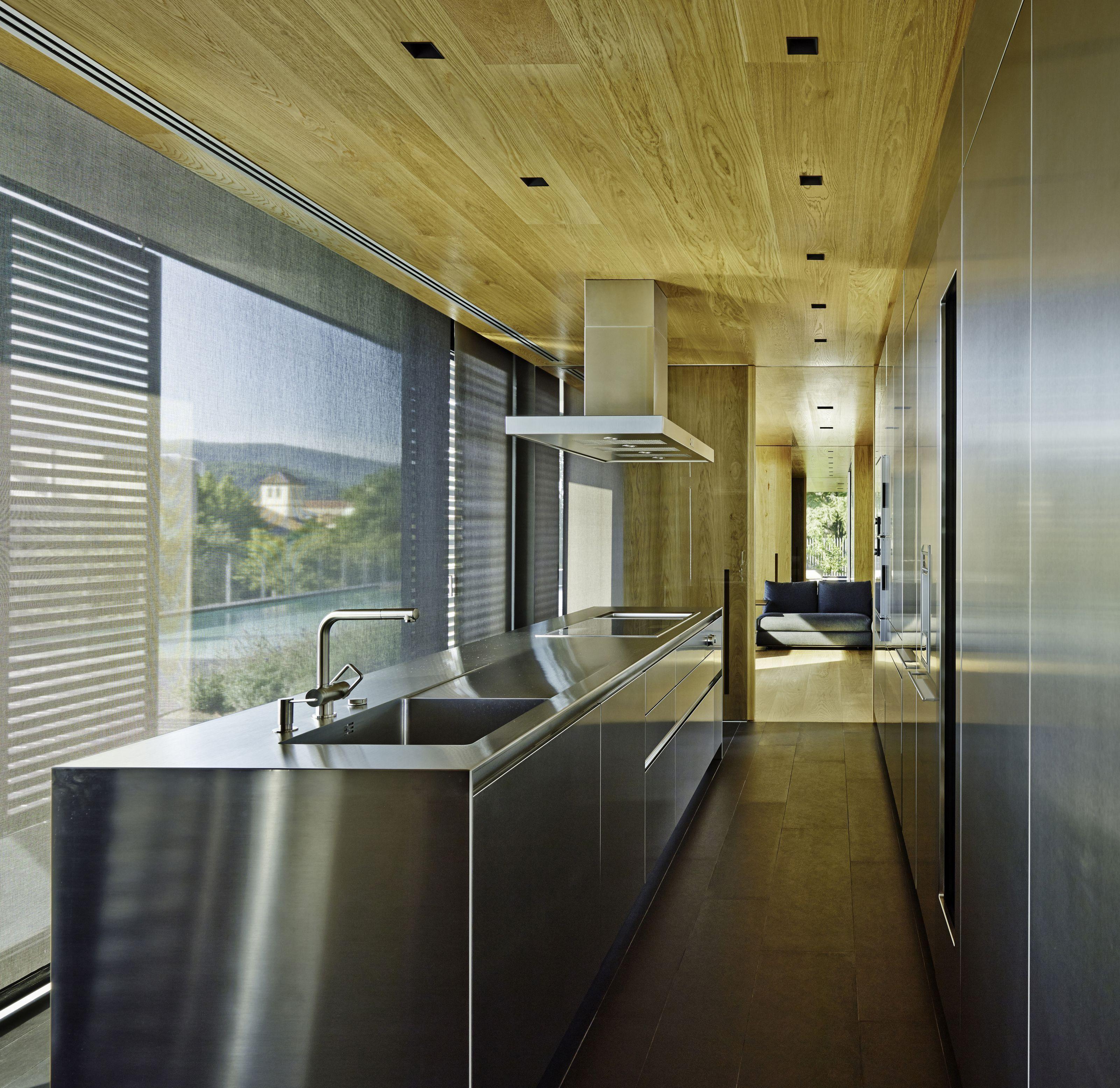 10 Fantastic Space Saving Galley Kitchen Ideas Galley Kitchen Layout Kitchen Layout Kitchen Ceiling Design