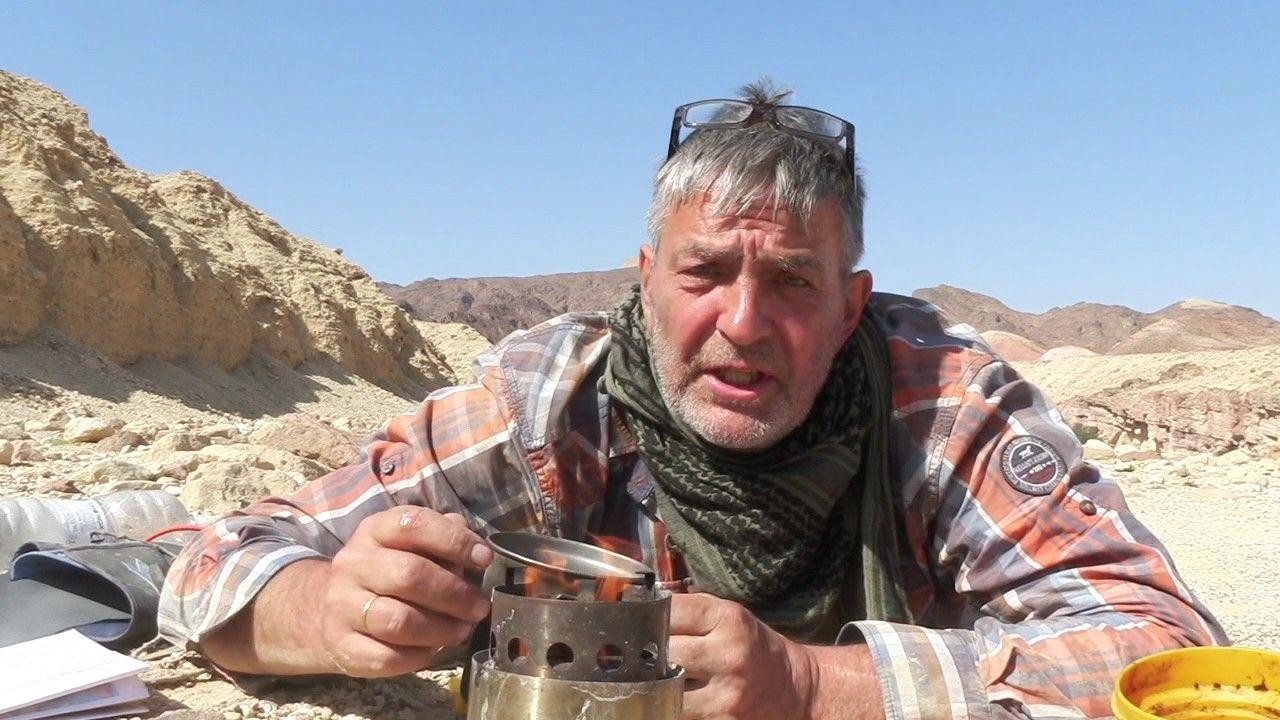 Mit dem Hobo in der Wüste.