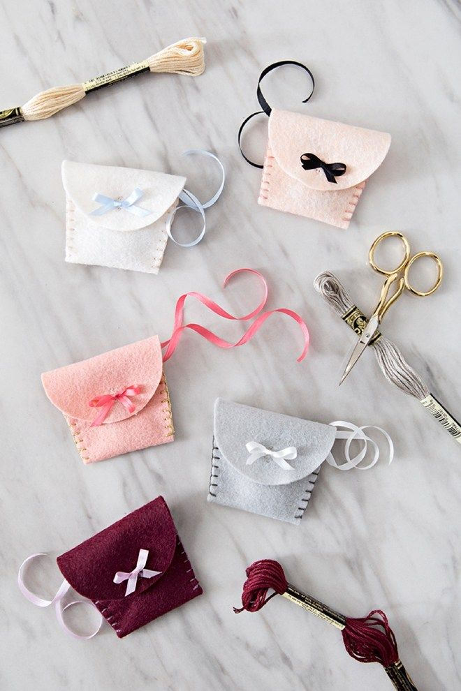 You Have To See These Adorable Diy Felt Wedding Ring Pouches And
