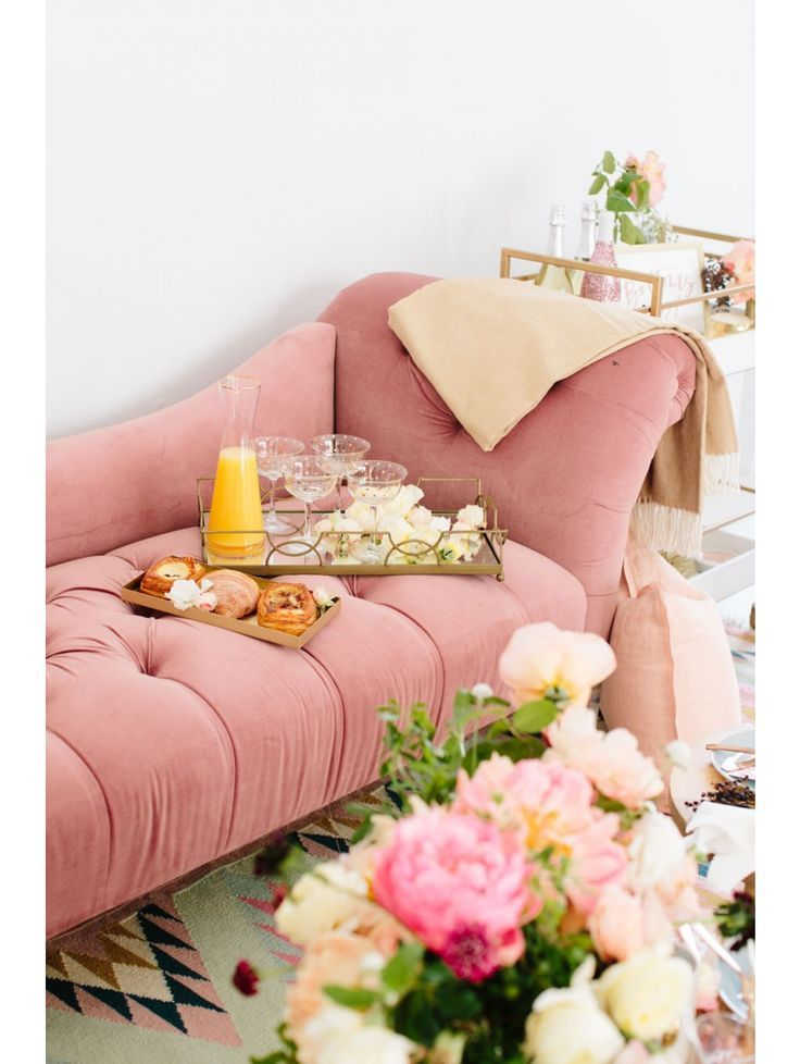 Betsy Velvet Chaise Lounge Rose Would Love To Put Something Like This In My Closet Or Bed Chaise Lounge Living Room Colourful Living Room Velvet Chaise Lounge