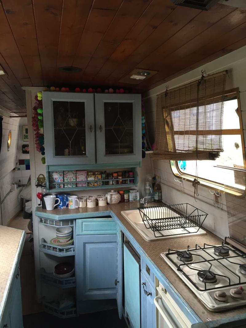 42 Narrow Boat Boat House Interior Narrowboat Kitchen Floating House