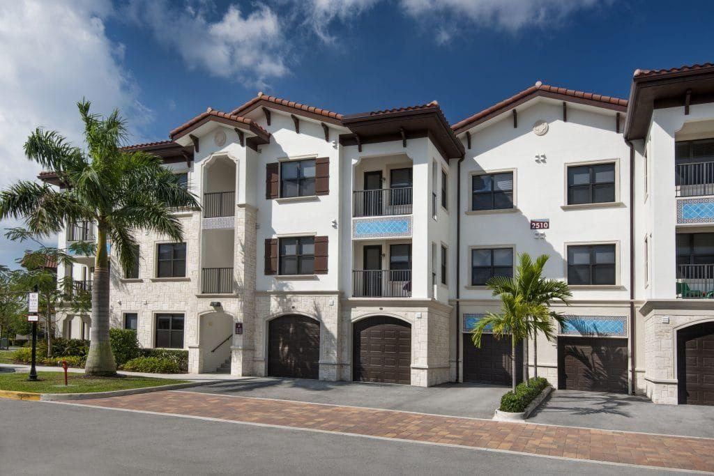 Decorating Your Apartment Miramar Park Apartments In Miramar Fl Apartments For Rent Finding Apartments Miramar