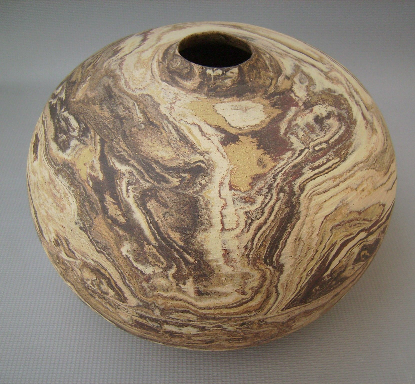 Vaso Marmorizado - Cerâmica Marmorizada de Cibele Naramura