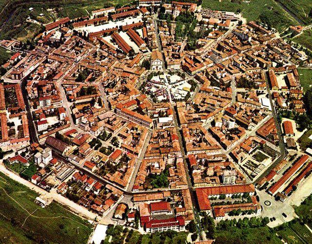 Borghi curiosi in Europa - Palmanova, Italia