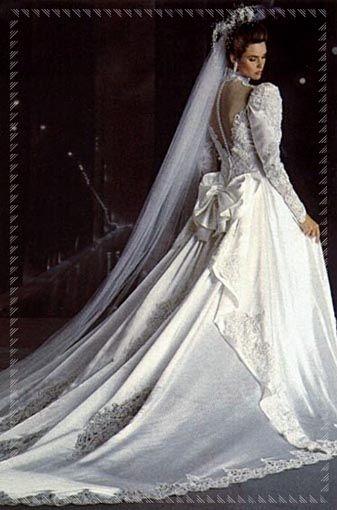 Vestiti Da Sposa Anni 80.Abito Da Sposa Da Dietro Anni 80 Abiti Da Sposa Da Sogno Abiti