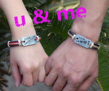 Gift-For-Boyfriend-Girlfriend-Genuine-Leather-Matching-Bracelet-Arrow-Love-Heart-Charm-Bracelets-For-Lovers-Couples.jpg_350x350.jpg (350×293)