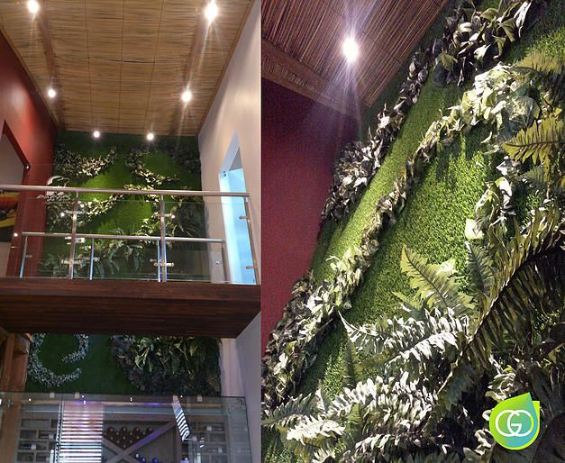Muro verde en interiores pasto sintetico y plantas for Muros verdes arquitectura